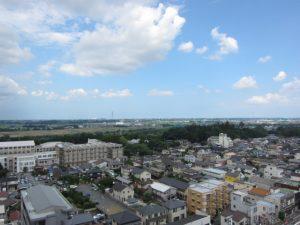 南面バルコニーからの眺望:水戸の街
