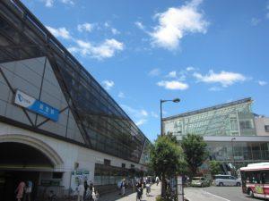 小田急線「経堂」駅前