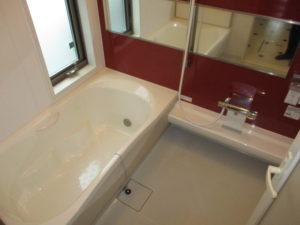 1.5坪サイズの広々浴室