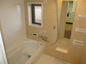窓付の浴室